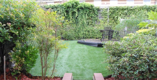 Fake Garden Grass in Acres Nook